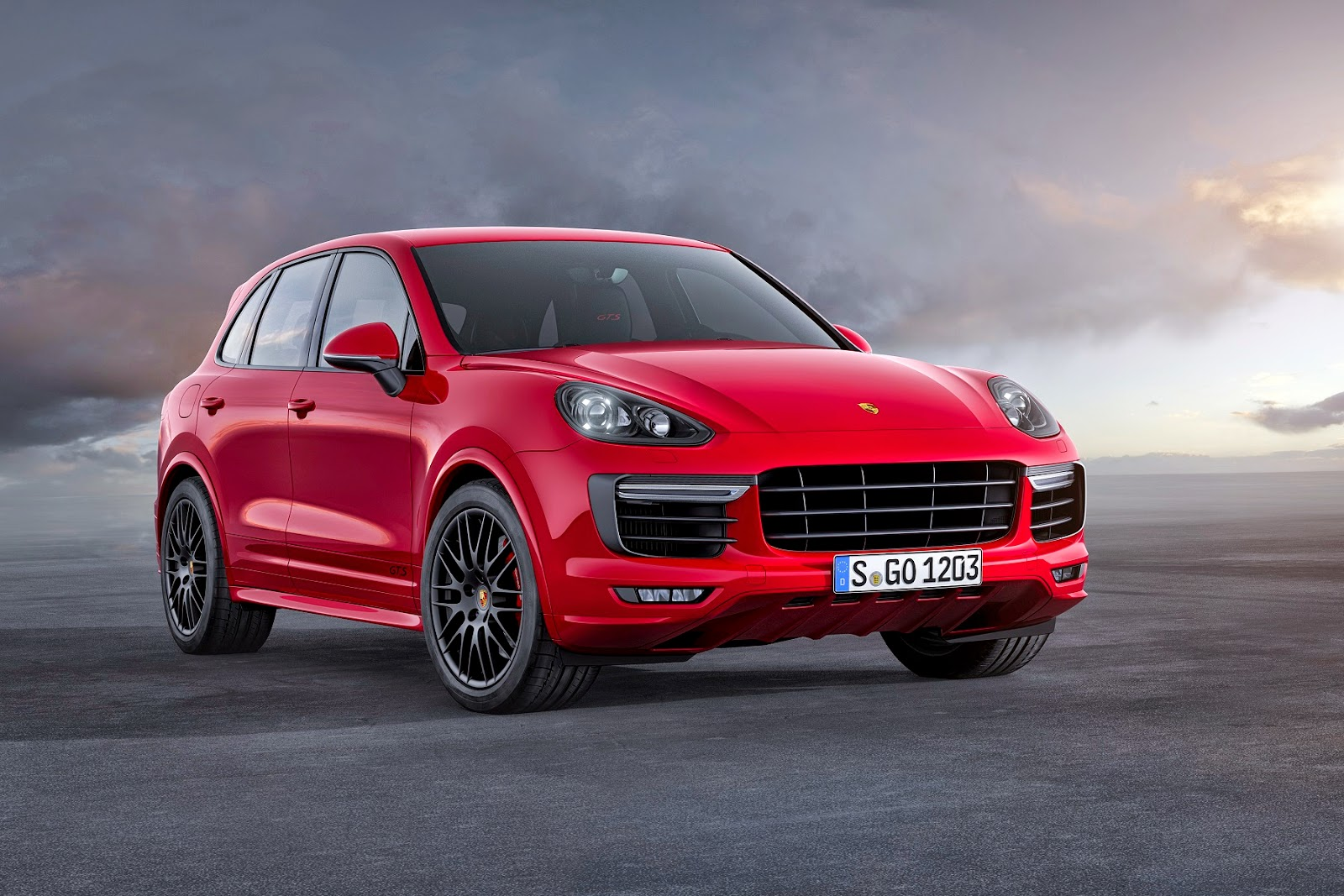 my luxury notebook new porsche cayenne gts. Black Bedroom Furniture Sets. Home Design Ideas