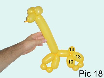 Как сделать жирафа из шарика колбаски схема