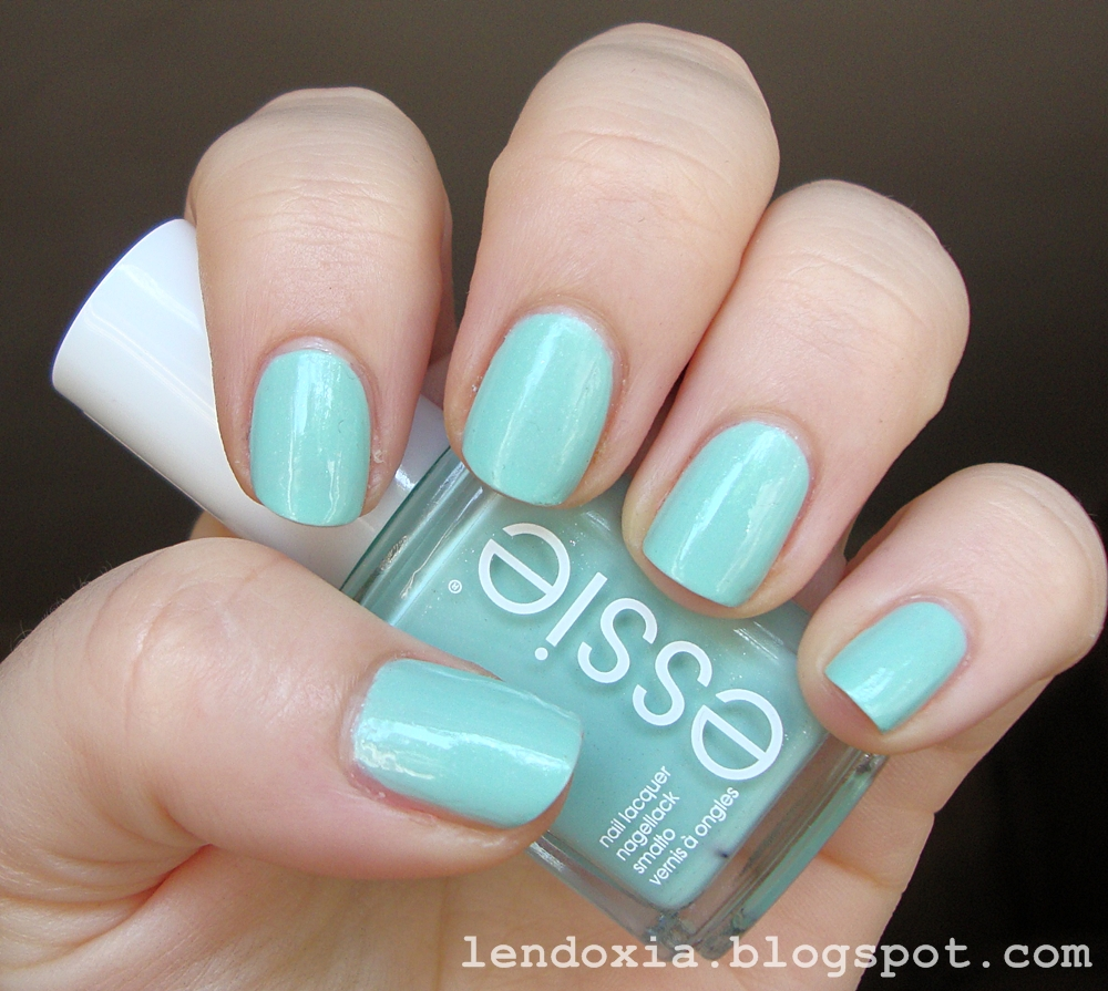 essie fashion playground lak za  nokte