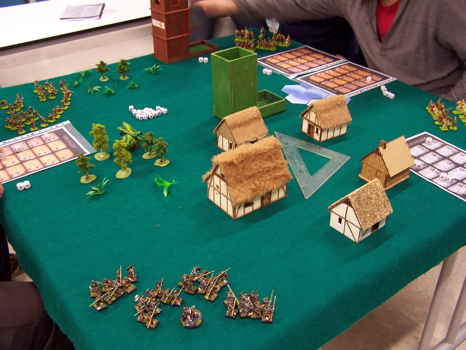 Horyminiaturas fest n de cuervos probando el saga a for Starcraft juego de mesa