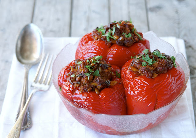 still managed to cook these yummy Greek-style vegan stuffed peppers ...