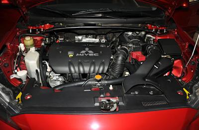 Foto Mesin Mitsubishi Lancer EX 2.0