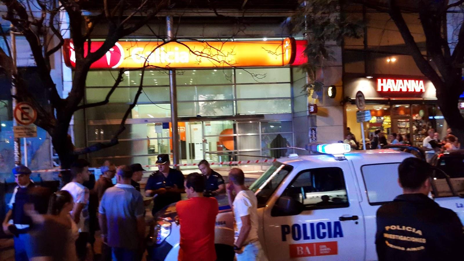 Vestidos como jud os ortodoxos robaron el banco galicia for Banco galicia busca cajeros
