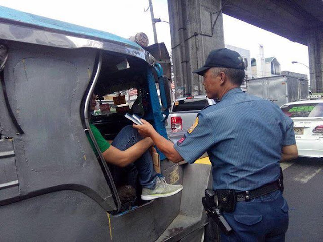 These Cops Stopped Motorists For The Most Unexpected Reason! Hands Down To These Cops!