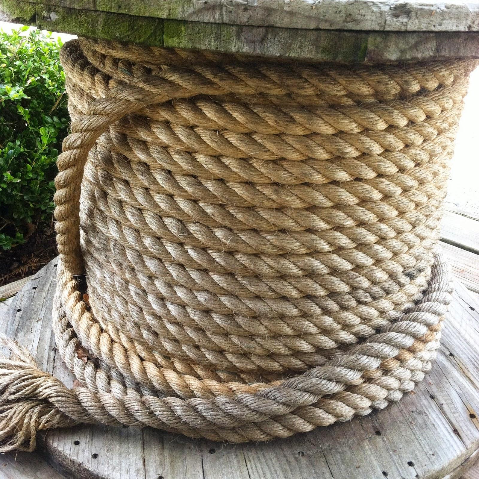 Beach house living rustic salty nautical decor ideas - Nautical rope decorating ideas ...