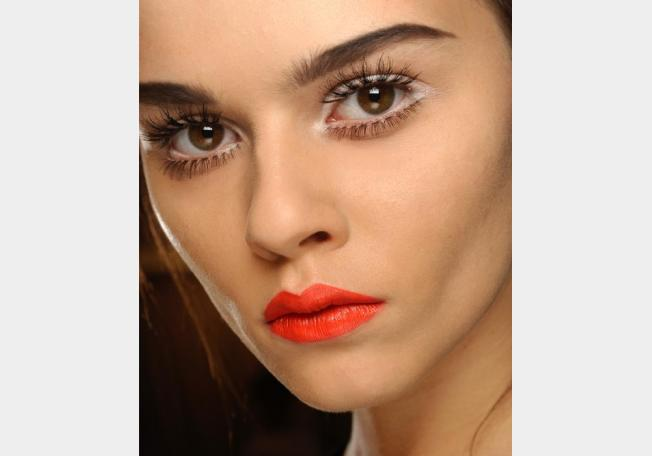 fashion guide: Lipstick for the winter of 2013 : orange ...