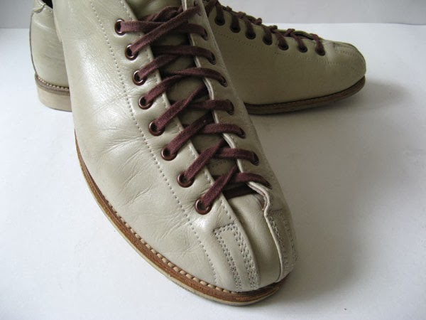 Good Closet: VINTAGE BEIGE HYDE BOWLING SHOES MENS BOWLING SHOES ...