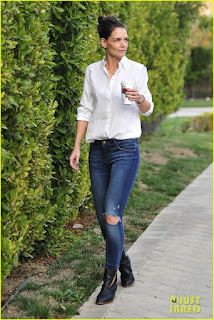 Katie Holmes Picture in Tight Jeans & White Shirt