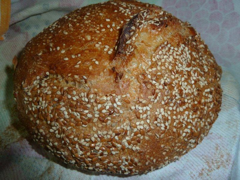 No-Knead bread com crosta de linhaça e sementes de sesamo