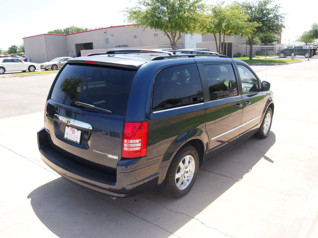 2009 chrysler town country touring van loaded dvd sunroof navigation. Cars Review. Best American Auto & Cars Review