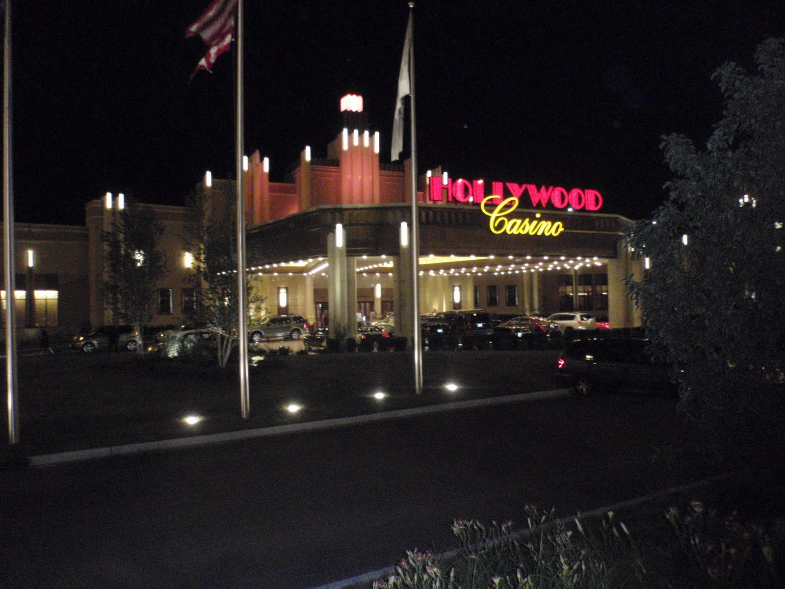 Hollywood casino in illinois excaliber hotel casino