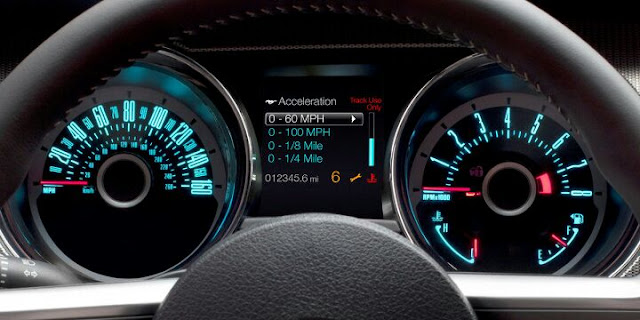 2013 Ford Mustang V6 Coupe Gauge Cluster (with Track Pak)