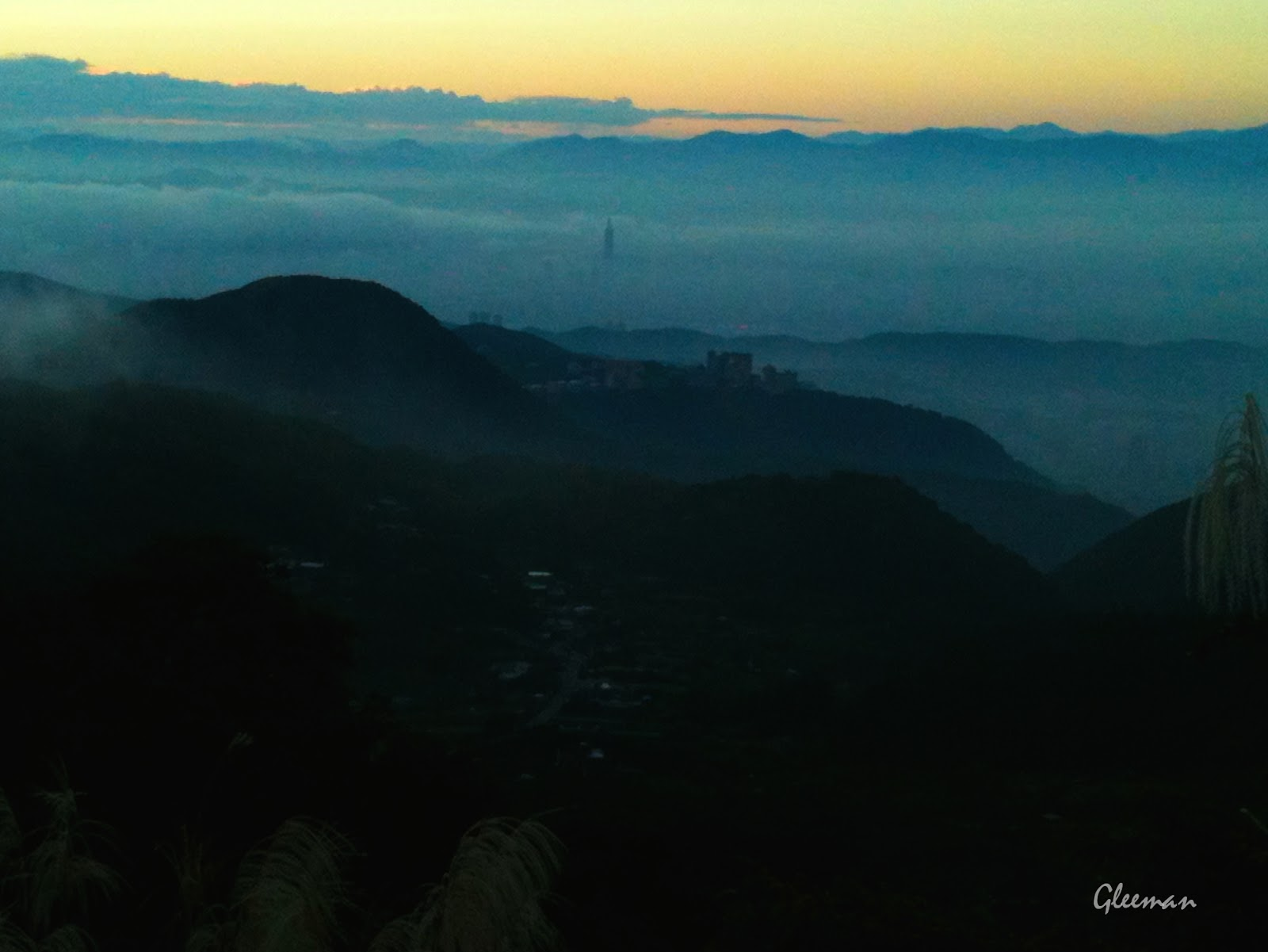 雲霧中的台北市區