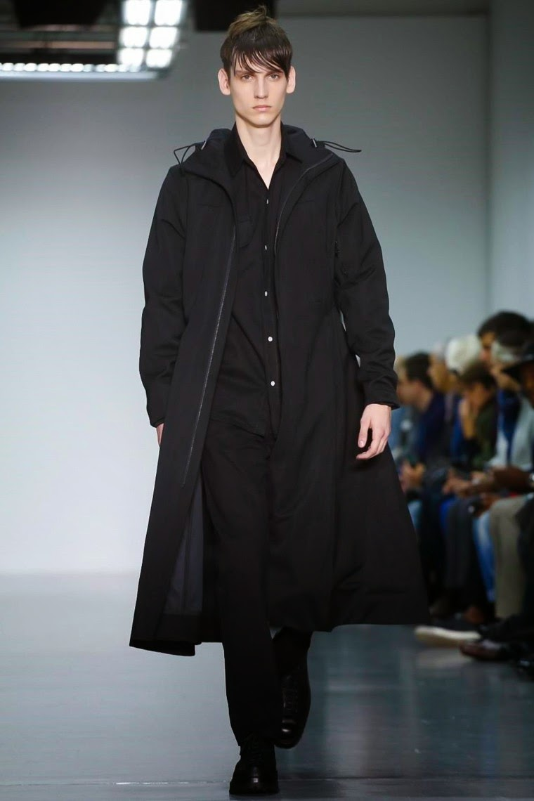 Lou Dalton AW15, Lou Dalton FW15, Lou Dalton Fall Winter 2015, Lou Dalton Autumn Winter 2015, Lou Dalton, du dessin aux podiums, dudessinauxpodiums, LCM, London Collections Men, mode homme, menswear, habits, prêt-à-porter, tendance fashion, blog mode homme, magazine mode homme, site mode homme, conseil mode homme, doudoune homme, veste homme, chemise homme, vintage look, dress to impress, dress for less, boho, unique vintage, alloy clothing, venus clothing, la moda, spring trends, tendance, tendance de mode, blog de mode, fashion blog,  blog mode, mode paris, paris mode, fashion news, designer, fashion designer, moda in pelle, ross dress for less, fashion magazines, fashion blogs, mode a toi, revista de moda, vintage, vintage definition, vintage retro, top fashion, suits online, blog de moda, blog moda, ropa, blogs de moda, fashion tops, vetement tendance, fashion week, London Fashion Week