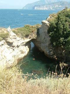 Visit villa pollio and enjoy the views best of sorrento - Bagno della regina giovanna ...