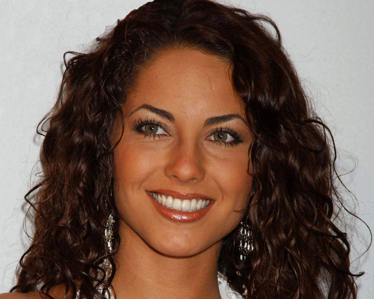 http://1.bp.blogspot.com/-bsvx4wBZ6h8/TYjJYobogpI/AAAAAAAALYk/-SQheOUgplo/s1600/Mexican_actress_barbara_mori_wallpapers%2B%25284%2529.jpg