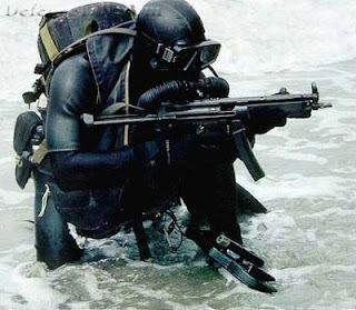 Indian Army Para SF deep sea diver coming ashore