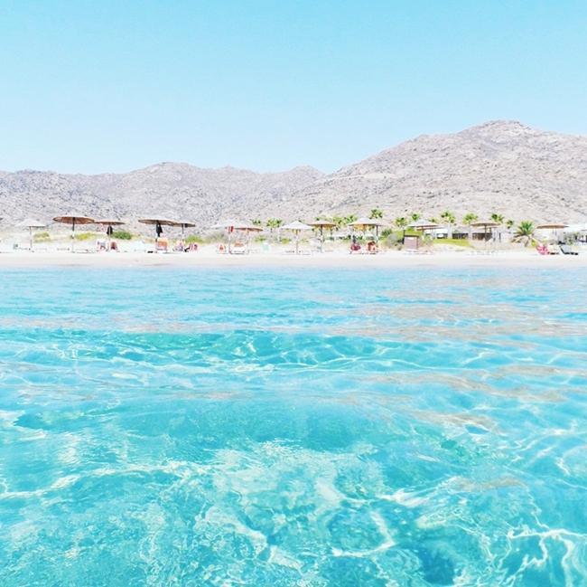 Jelena Zivanovic Instagram @lelazivanovic.Glam fab week.Manganari beach Ios.Best Ios beaches.Najlepse plaze Ios ostrva.