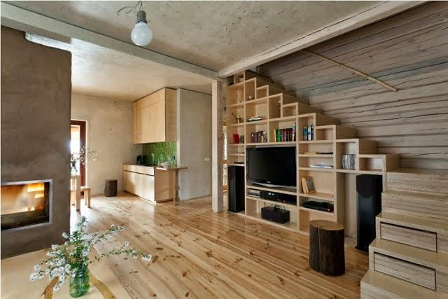 ICA -homes: Lépcsők alatt