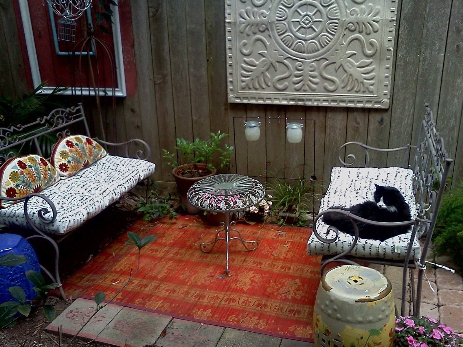 Bohemian Backyard Decor :  iS Maximizing a Small Backyard Bohemian Party Decor For TV Segment
