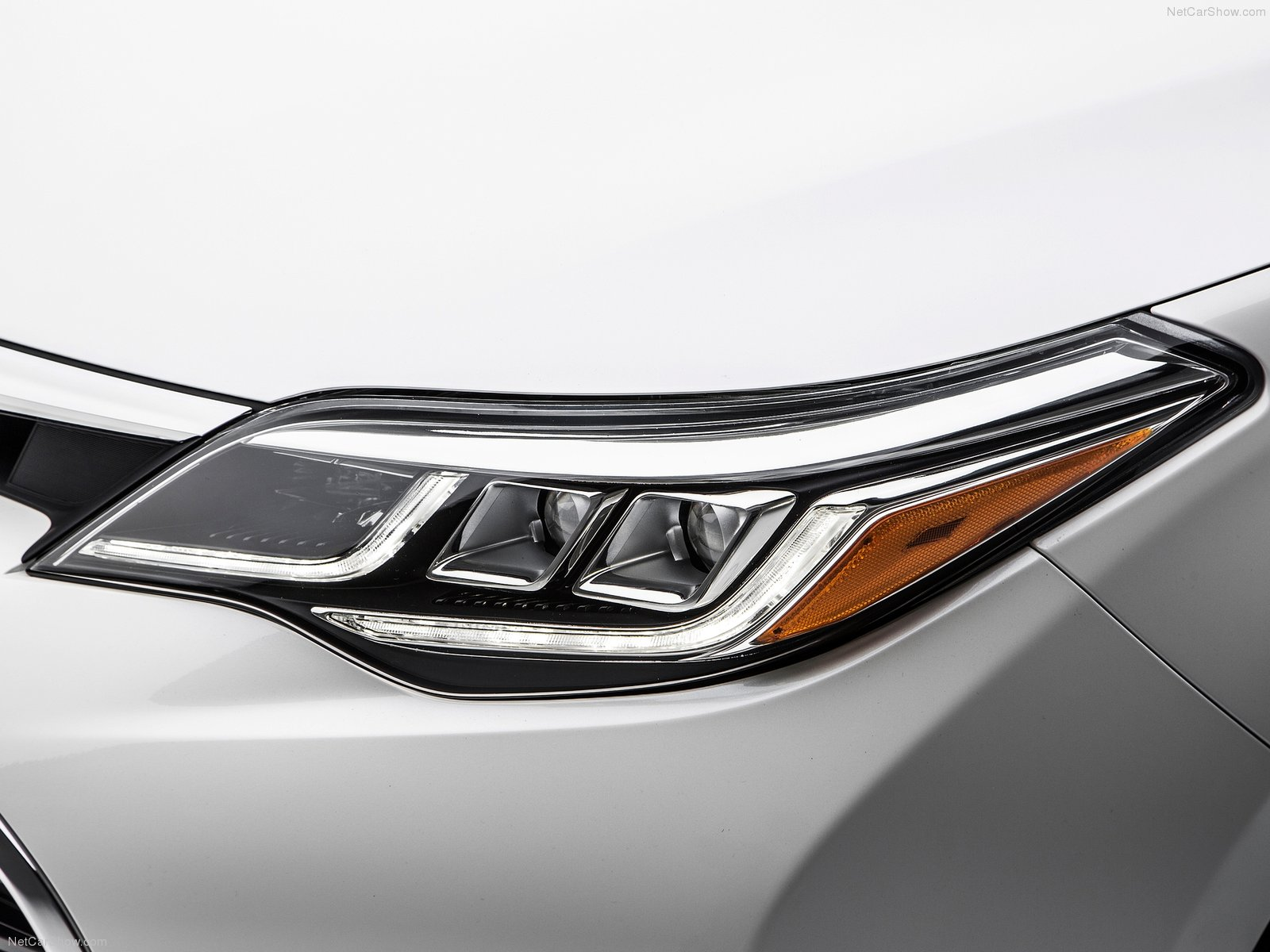 Hình ảnh xe ô tô Toyota Avalon 2016 & nội ngoại thất