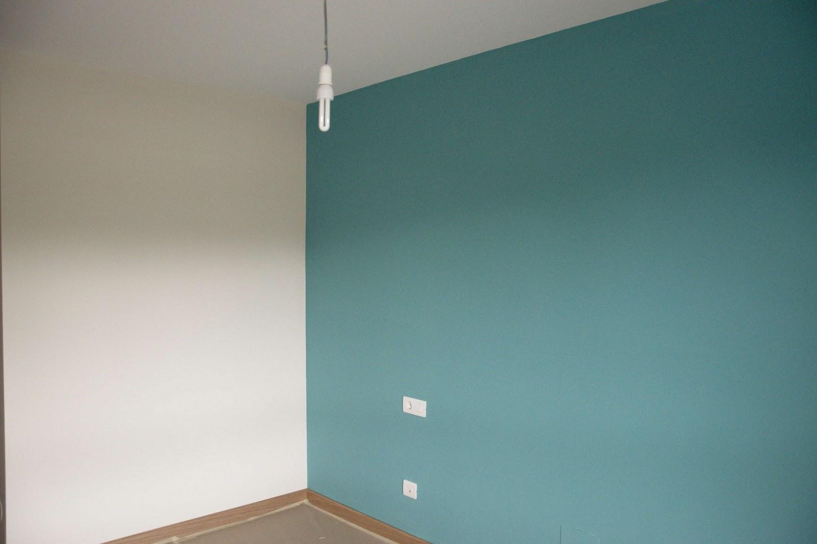 Isaac pintura un piso por 800 - Como pintar una pared ya pintada ...