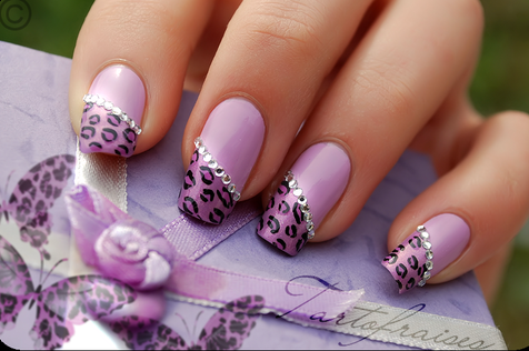 crackled nail patterns are undoubtedly the star nail designs of the