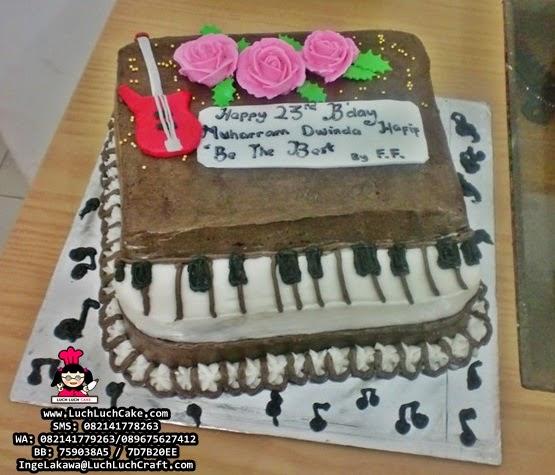Kue Tart Ulang Tahun Piano 3D Buttercream