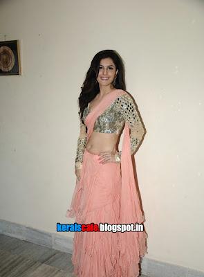 Isha Talwar unseen hot navel show