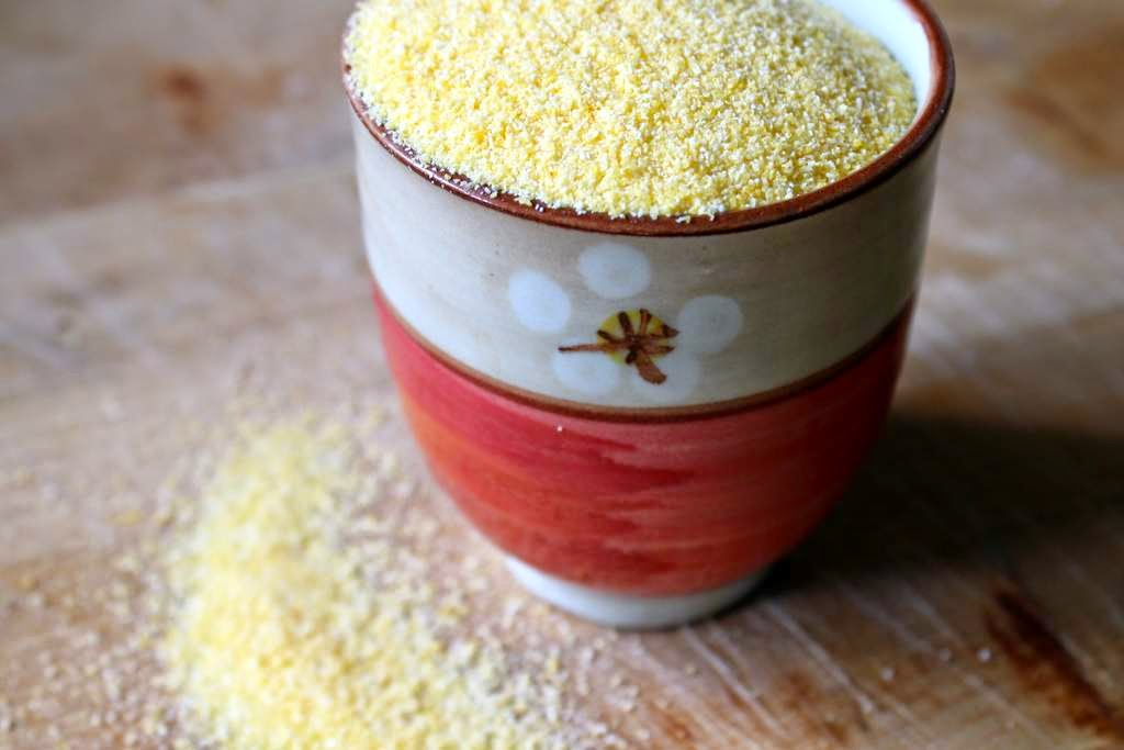 Gluten free cake polenta lemon almonds