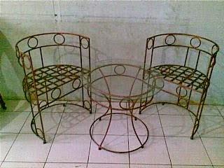 Kursi Taman dan Teras Besi