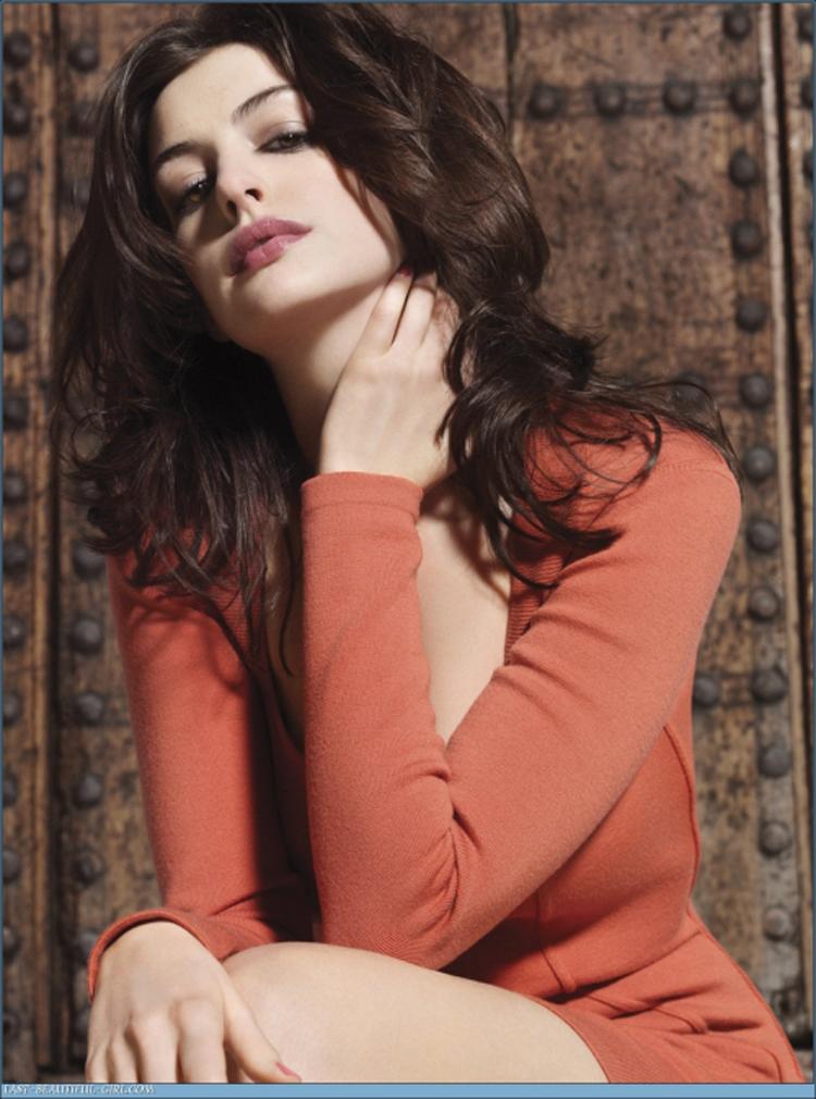 Anne Hathaway Hair 11