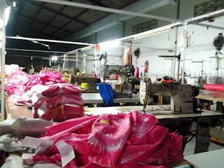 Produksi pakaian
