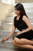 Actress Aarushi Glamorous Photos in Black-thumbnail-13