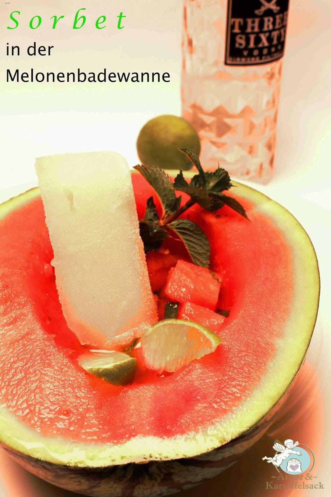Sommerdessert mit Melone und Eis