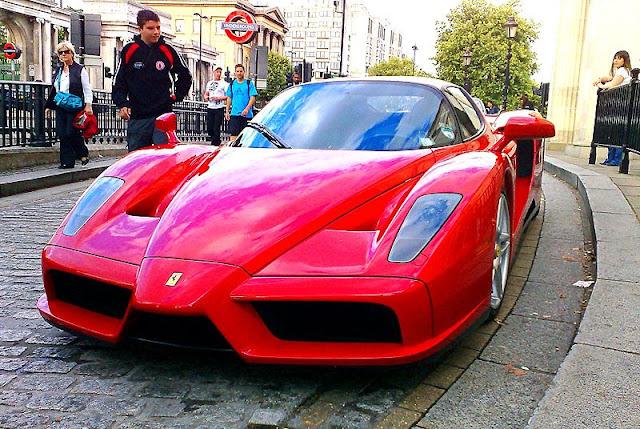 Gambar Mobil Sport Ferrari Enzo 08