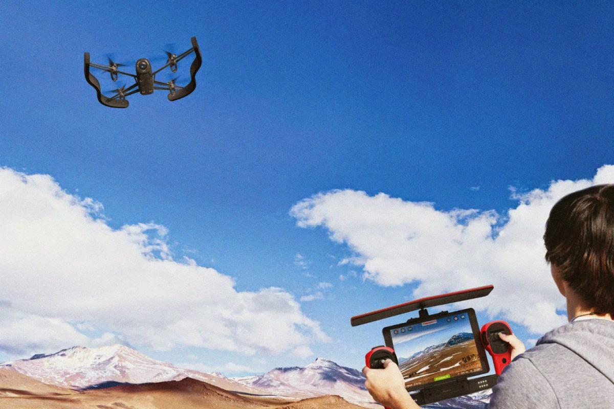 Parrot تكشف عن طائرتها الجديدة من دون طيار Bebop Drone