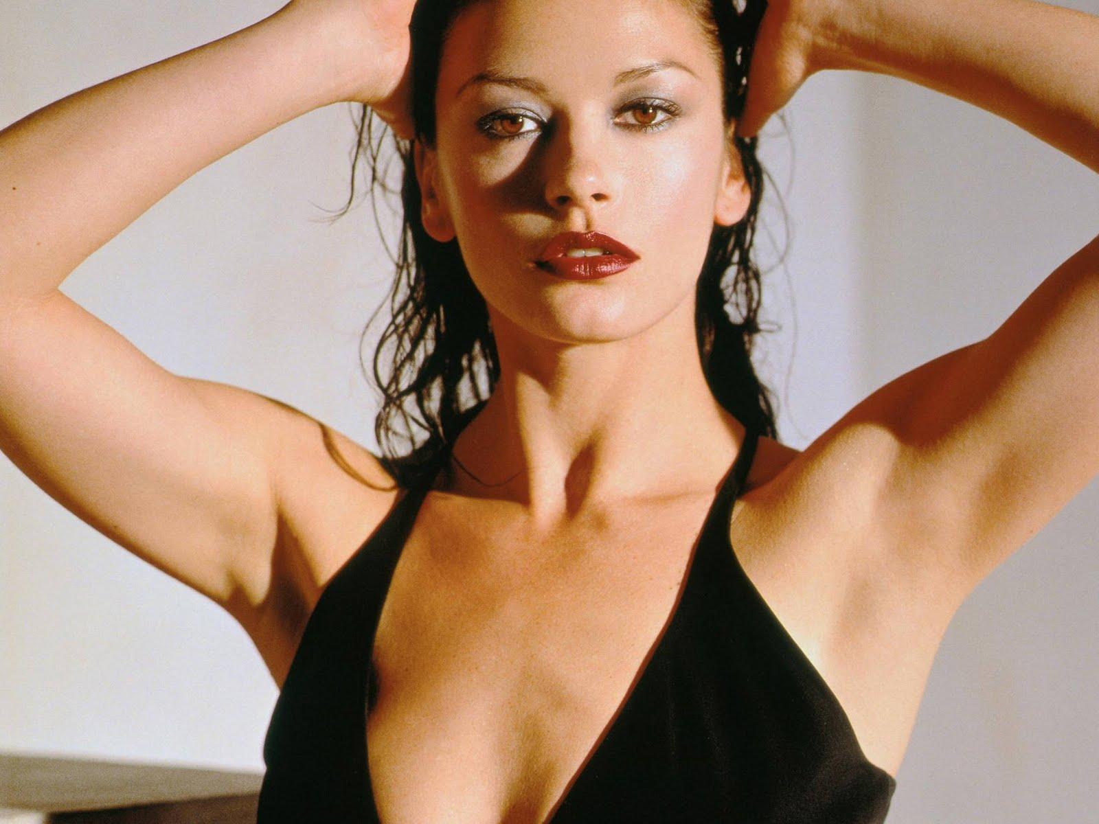 zeta jones sexy - photo #23
