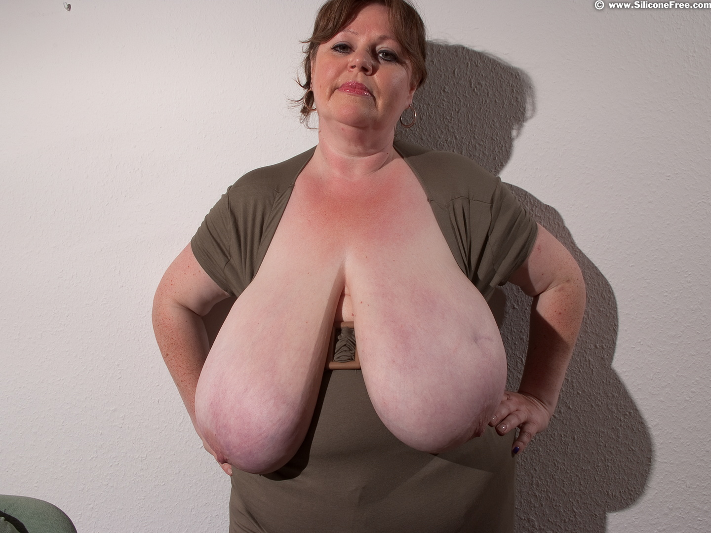 Mature big hanging boobs