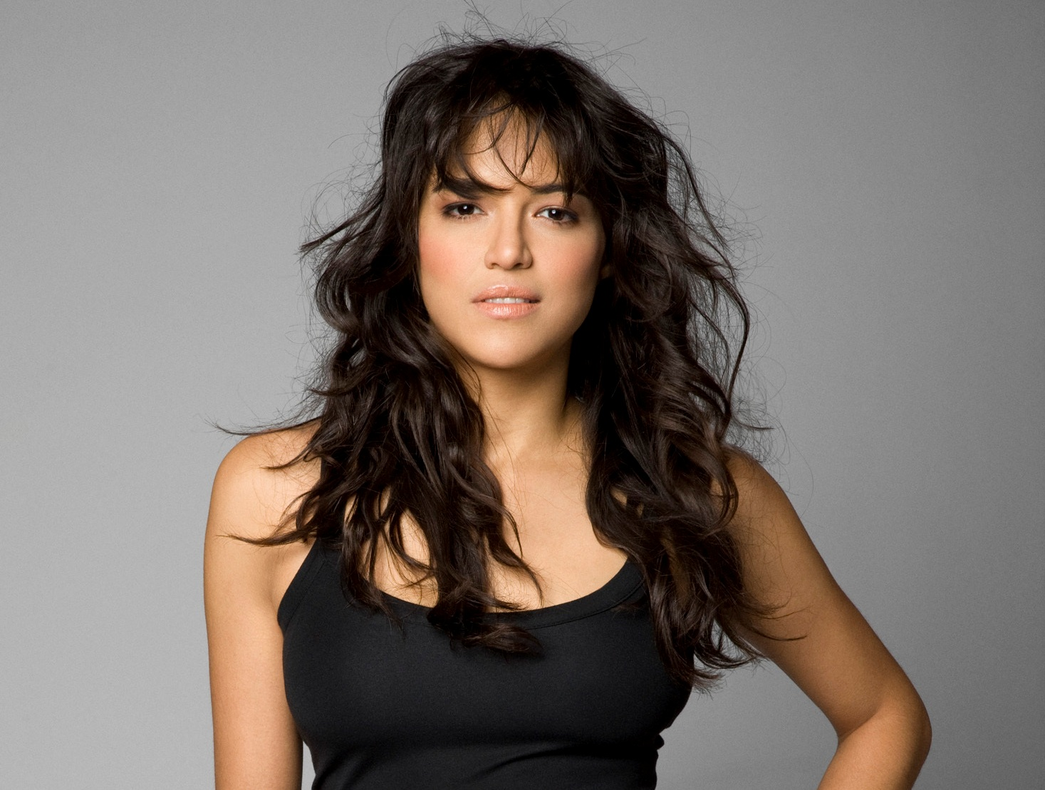 http://1.bp.blogspot.com/-bv5_cdmS-XA/T_bM9_xJ3pI/AAAAAAAAAnI/pCDkNADCAo0/s1600/Michelle+Rodriguez.jpg