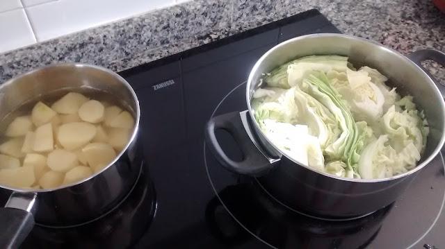 Cocer la patata y la col