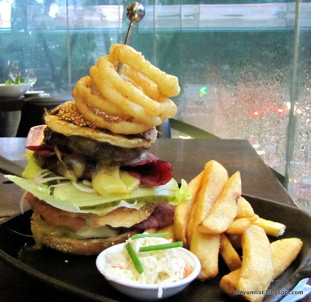 Arthur's Bar and Grill, Shangri-La, pub, booze, happy hour, Kuala Lumpur
