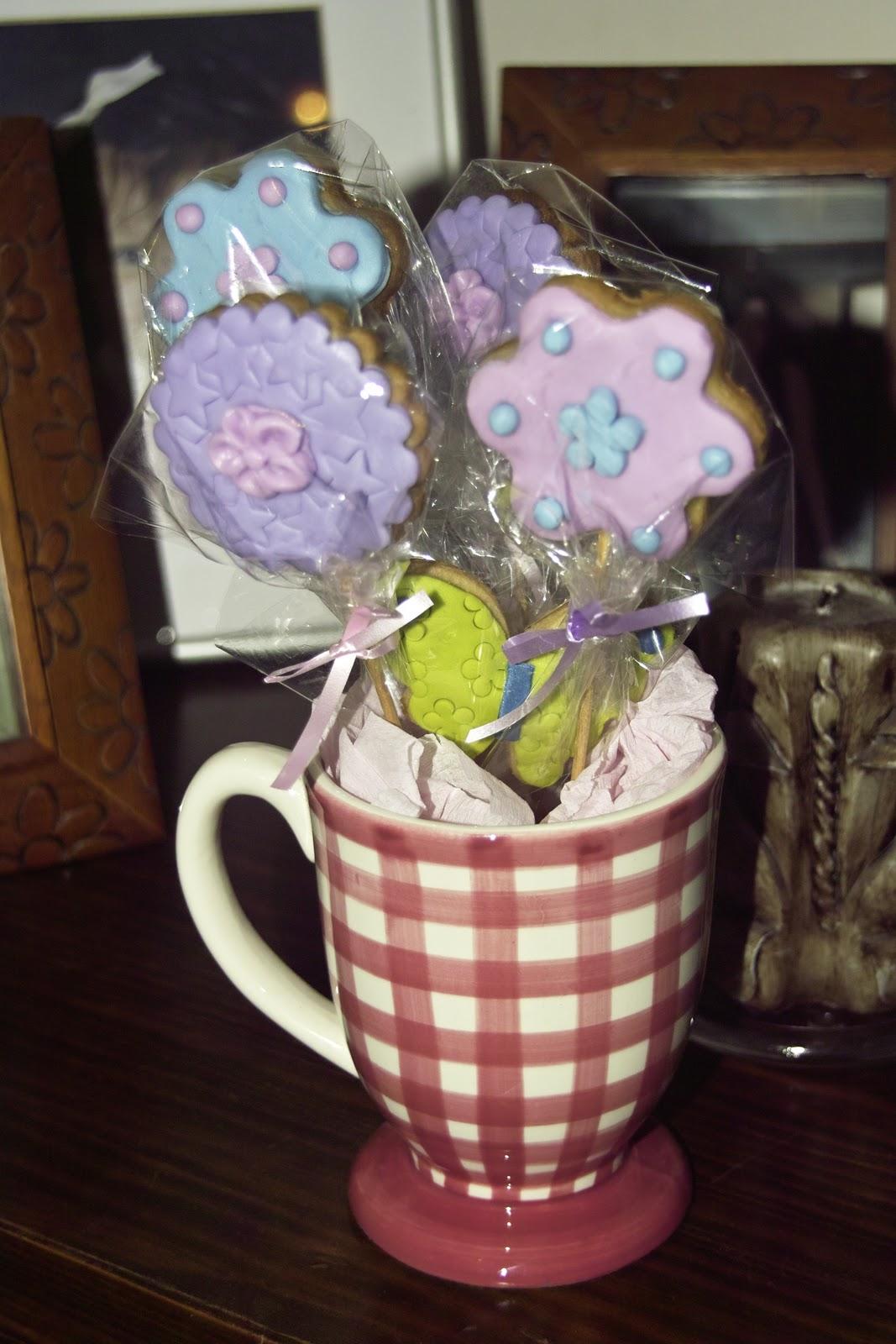 De dulces y m s galletas primaverales - Como decorar una taza ...