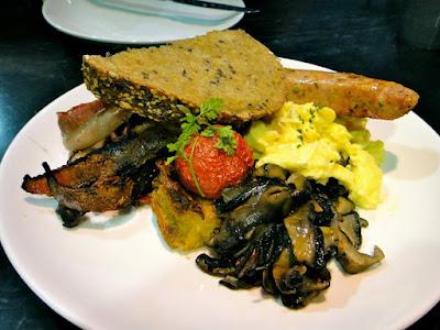 All day American Breakfast in Dean & Deluca Singapore