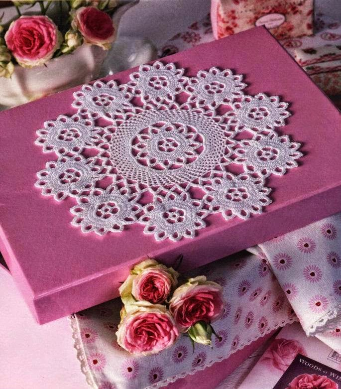 Carpeta con diseño de flores tejida con ganchillo con patron