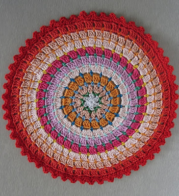 Crochet Rug Patterns For Beginners : Busy fingers, busy life...: Pattern: Rosetta