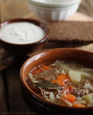 Šči: zuppa russa di cavolo bianco