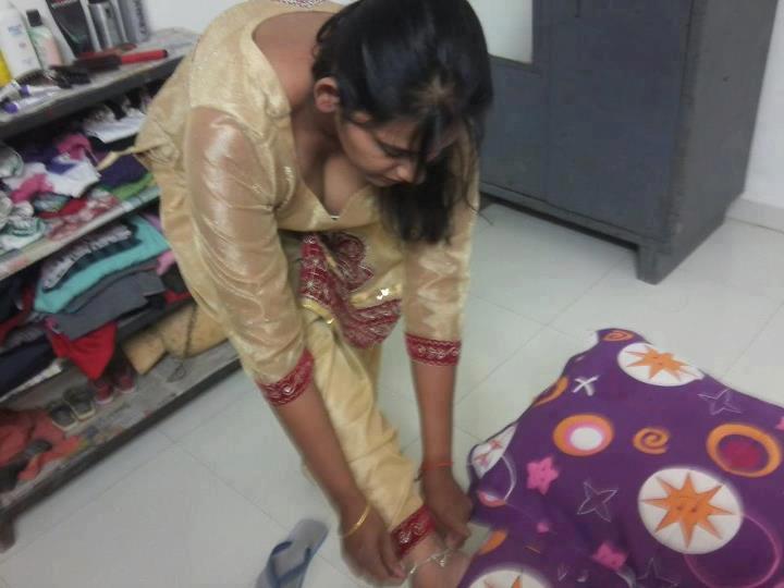 kashmiri girls spreading pussy pics
