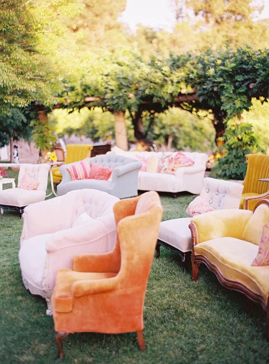oh!myWedding: Sillas y sillones de terciopelo para decorar la boda