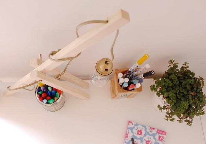 DIY. Lámpara de mesa en madera, regulable en altura. www.soyunmix.com